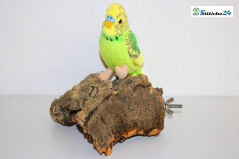 Sittiche24 versendet das für Ihre Vögel ausgesuchte Korksitzbrett für Ihren Vogelkäfig innerhalb von wenigen Werktagen per Post zu Ihnen nach Hause zum Beispiel nach Münster, Bonn, Bielefeld oder Wuppertal. Korksitzbretter nutzen Wellensittiche, Kanarienvögel, Sperlinge oder Nymphensittiche und nahezu alle Vogel Haustierarten liebend gerne als Sitz-, Ruhe- und Spielplatz sowie als begehrtes Knabbermaterial. Als Liege- und Ruheplattform mögen unsere Ziervögel die Oberfläche der Korksitzbretter, da die Naturkorkoberfläche gut isoliert ist und somit angenehm warmhält. Nicht nur Wellensittiche liegen gerne auch mal bäuchlings auf dem Korksitzbrett, zusätzlich nutzen unsere Hausvögel mit Fuß- bzw. Beinproblemen das Korksitzbrett, um stark beanspruchte Körperzonen zu entlasten. Dieses naturbelassene Korksitzbrett erhalten Sie mit vormontierter Stockschraube und Befestigungsmaterial montagefertig für Ihren Vogelkäfig oder Ihre Voliere. Unsere Korksitzbretter können Sie bequem über unseren Vogelshop bestellen.