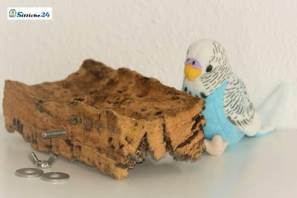 Vogelsitzbrett aus Naturkork ideal als Spielzeug für Vögel mit Vorrichtung für Befestigung an Vogelkäfige Volieren in Mannheim, Bamberg oder Hamburg.
