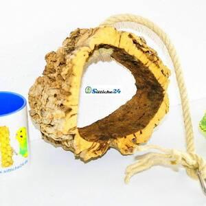 Rindenkork Vogelschaukel als gesundes Vogelzubehör.